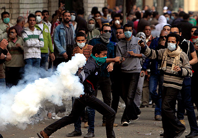 Anti-Morsi riots in Cairo (Photo: Reuters)