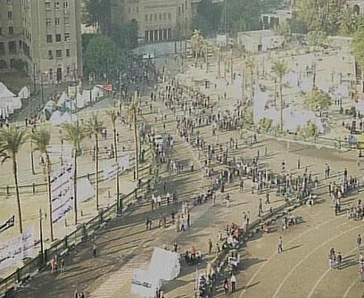 כיכר תחריר, הבוקר (צילום: רויטרס)