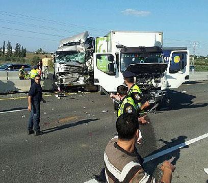 זירת התאונה השנייה, בכביש 6 לכיוון דרום (צילום: רענן בן צור)
