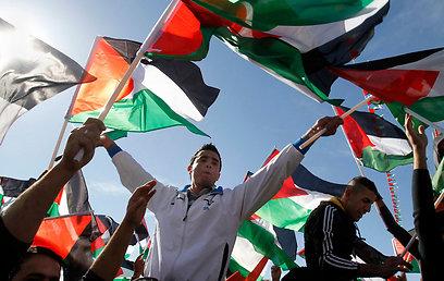 """חוגגים ברמאללה, """"ההישג הפלסטיני מוקדש לשהידים"""""""
