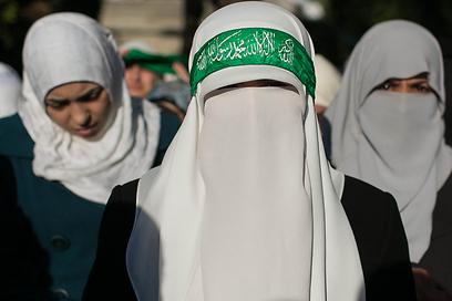 """""""החוקה שלנו היא הקוראן"""" (צילום: אוהד צויגנברג )"""
