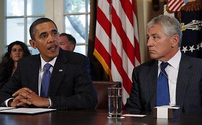 הייגל לצד אובמה. הנשיא יבהל מהביקורת? (צילום: רויטרס)