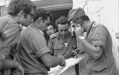 """1973: אמנון ליפקין-שחק במלחמת יום כיפור  (צילום: משרד הביטחון, ארכיון צה""""ל ומערכת הביטחון )"""