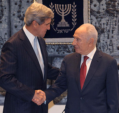"""עם נשיא המדינה. """"השלום חיוני"""" (צילום: מארק ניימן, לע""""מ)"""
