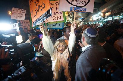 ההפגנה נגד הזרים בתל-אביב, אמש (צילום: בני דויטש)