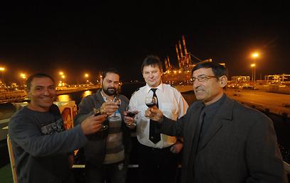 שנה חדשה בנמל אשדוד (צילום: אבי רוקח)