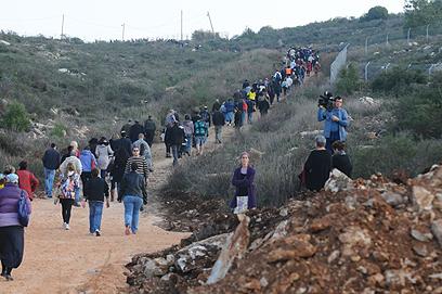 מסע ההלוויה באריאל (צילום: גור דותן)