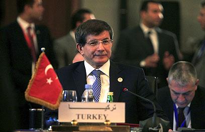 שר החוץ הטורקי אחמט דבוטאולו (צילום: רויטרס)