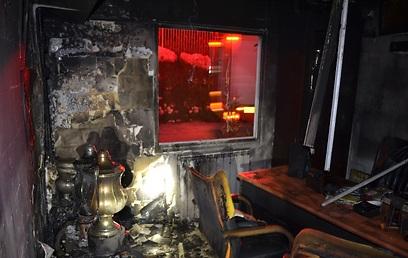 הגביע מלא בפיח בחדר השרוף (צילום: אסף אברס)