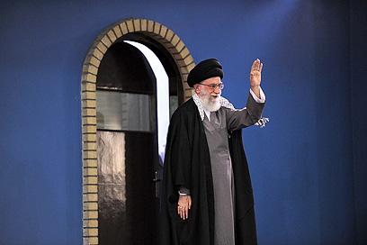 """המנהיג האיראני העליון חמינאי. """"המשטר הנוכחי הוא סכנה לעולם"""" (צילום: AFP)"""
