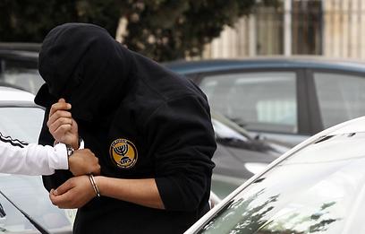אחד החשודים בהצתה מובא להארכת מעצר  (צילום: חיים צח)