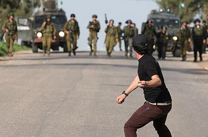 העימותים אתמול בגדה (צילום: AFP)