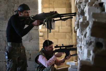 יקבלו עוד נשק? המורדים בסוריה (ארכיון)                (צילום: AP)
