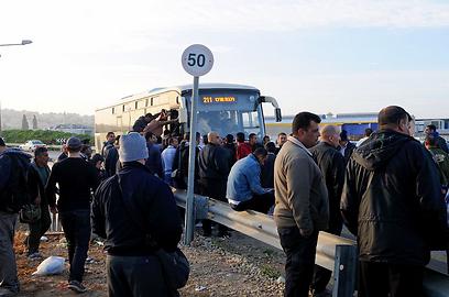 """""""לא ברור אם בדרך חזרה נספיק להגיע לאוטובוס"""" (צילום: גור דותן)"""