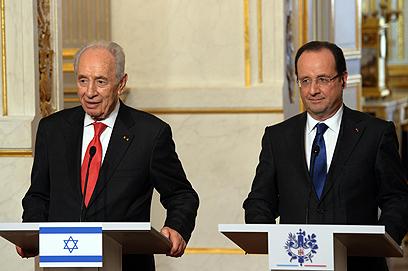"""הולנד ופרס. """"עמדת אירופה לגבי חיזבאללה תיגזר מהחקירה"""" (צילום: משה מילנר, לע""""מ)"""