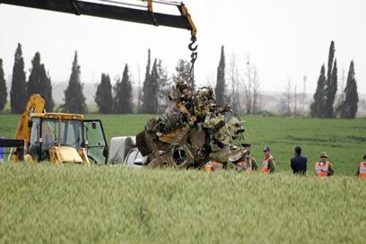שברי המסוק בזירת ההתרסקות (צילום: אליעד לוי )