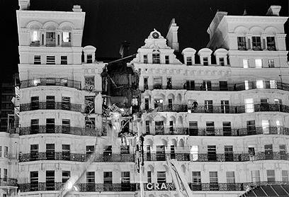 המלון לאחר הפיצוץ. הפצועים היו קבורים בהריסות במשך שעות (צילום: Gettyimages)