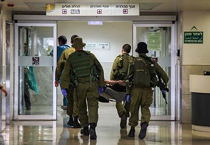 """הפצועים ברמב""""ם. מקרה שני (צילום: אבישג שאר-ישוב)"""