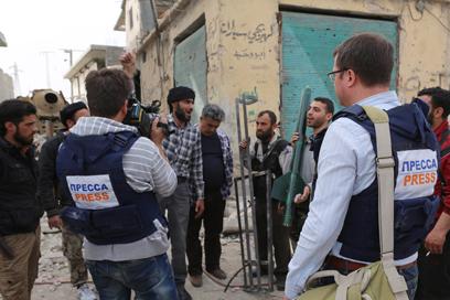 Rebels on Aleppo (Photo: EPA)