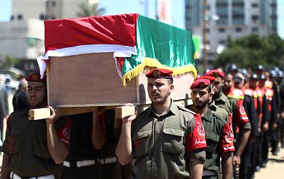 ההלוויה של מייסר אבו חמדיה (צילום: AFP)