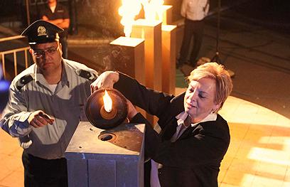 השופטת בדימוס ביניש, הערב בטקס במשואה (צילום: עידו ארז)