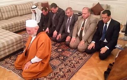 תפילה לשיתוף פעולה. בית השגריר בצרפת