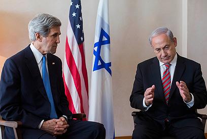 """קרי: """"היה דיון פרודוקטיבי"""". עם ראש הממשלה הבוקר (צילום: יונתן זינדל/פלאש90)"""