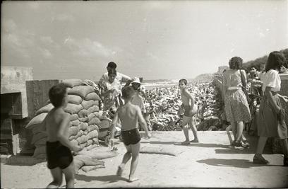 ביצורים על חוף הים בתל אביב במלחמת העצמאות (צילום: ארכיון המדינה )