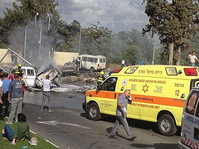 מכוניות הפוכות בזירת התאונה (צילום: אתר פאנט )