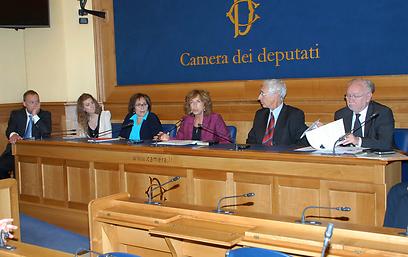"""""""יש הרבה מאוד דברים שאישה יהודייה אחת יכולה לעשות בפרלמנט האיטלקי"""". נירנשנטיין"""