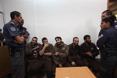 הנאשמים, היום בבית המשפט המחוזי בירושלים (צילום: גיל יוחנן)