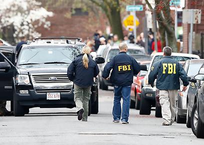 סוכני FBI במצוד אחר המחבלים. פישלו ב-2011? (צילום: AFP)