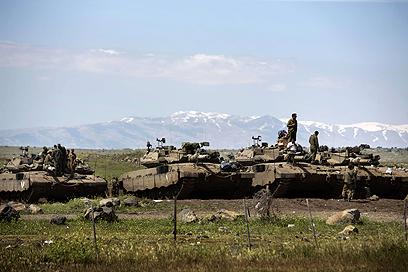 """טנקים של צה""""ל בגבול עם סוריה, השבוע    (צילום: AFP)"""