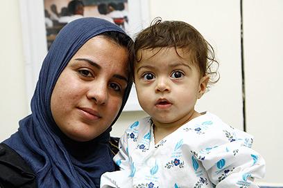 """שאמה ואמה. הגיעו מעיראק בסיוע עמותת """"הצל לבו של ילד"""" (צילום: שילה שלהבת)"""