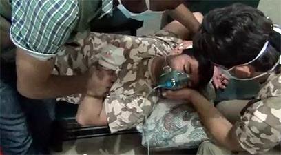 מטפלים בילד בסוריה, שנפגע לכאורה מנשק כימי