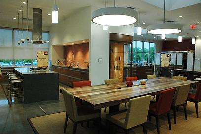 מרכז הפיתוח של סברה בריצ'מונד וירג'יניה. שולחן הטעימות (צילום: איליה וולפלד)