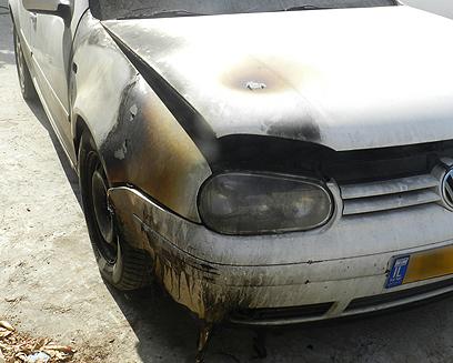 """אחד הרכבים שהוצתו בנין (צילום: אתר """"בוקרא"""")"""