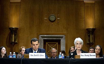 שרמן וכהן. ההחרפה הבאה בסנקציות - ביולי (צילום: AFP)