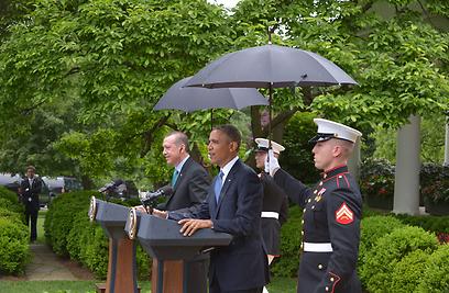 """הנחתים לצד המנהיגים. """"ייראו טוב לידינו"""" (צילום: AFP)"""