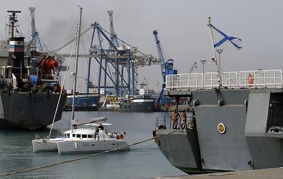 ספינות קרב רוסיות בחופי סוריה  (צילום: AFP)