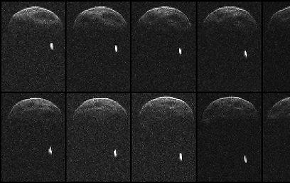 צילומי רדאר של האסטרואיד. הנקודה הלבנה בצילומים: הירח הנלווה (צילום: AFP)