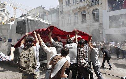 ההפגנות באיסטנבול (צילום: רויטרס)