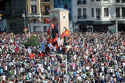 כיכר טקסים באיסטנבול, מוקד המהומות (צילום: AFP)