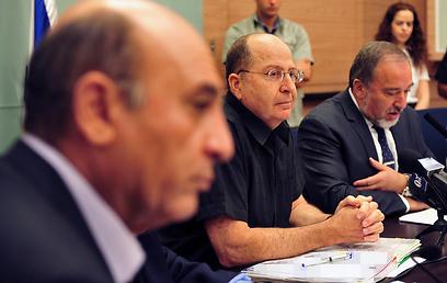 דיון בוועדת החוץ והביטחון, הבוקר (צילום: אריאל חרמוני)