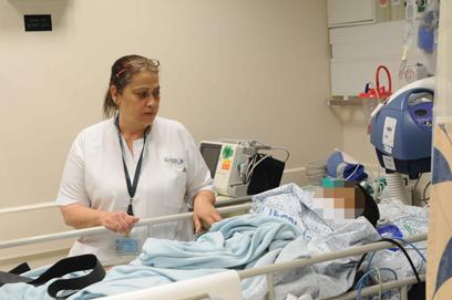 בית חולים זיו. שמירה על כל פצוע (צילום: אביהו שפירא)