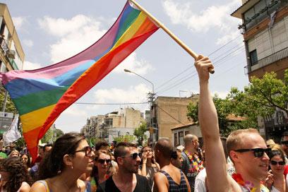 מצעד הגאווה בתל-אביב. הכי ליברלים אצלנו: בני 30-49 (צילום: עידו ארז)