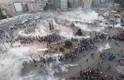 הבחירה במשקיעים זרים נועדה להקהות את העוקץ הכלכלי של המחאה. איסטנבול (צילום: רויטרס)