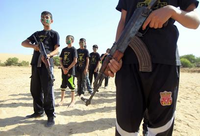 הילדים שדימו חוליית טרור  (צילום: AFP)