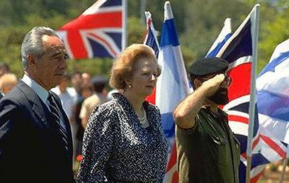 """ראש ממשלת בריטניה, מרגרט תאצ'ר, בביקור בישראל ב-86' (צילום: סער יעקב, לע""""מ)"""