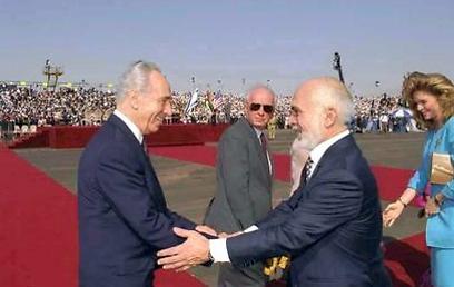 """הסכם השלום. עם מלך ירדן (צילום: סער יעקב, לע""""מ)"""